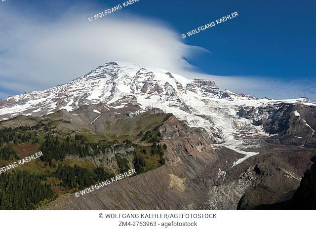 View from the Nisqually Vista Trail of Mount Rainier with the Nisqually Glacier in Mt. Rainier National Park in Washington State, USA