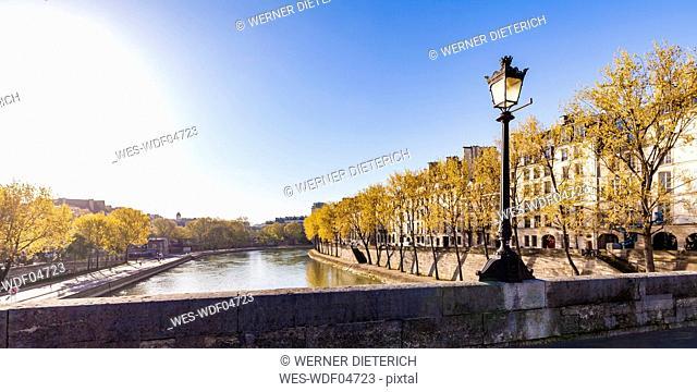 France, Paris, Street light on Pont Marie