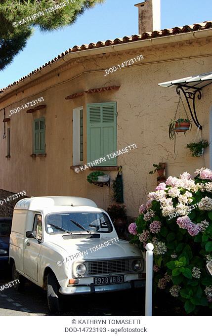 France, Bormes-les-Mimosas, Car parked near home on back street