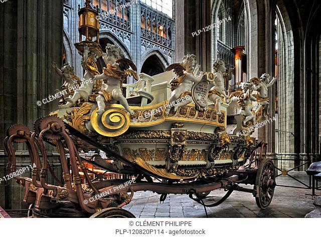 The float Car d'Or / Golden Chariot in the Sainte Waudru collegiate church / Collégiale Sainte-Waudru de Mons, Hainaut, Belgium