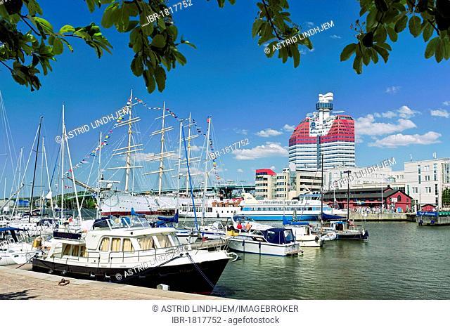 Harbour with Skanskaskrapan, Skanska Scraper, Lipstick Building, Gothenburg, Sweden, Scandinavia, Europe