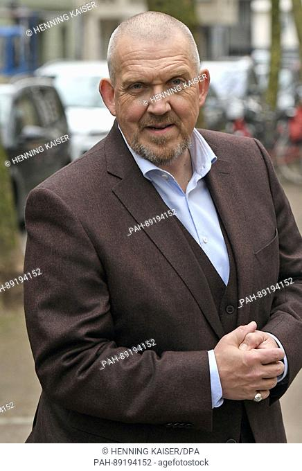 """The actor Dietmar Baer (playing Freddy Schenk) can be seen during a photo call during the filming of the """"""""Tatort"""""""" series episode """"""""Bausünden"""""""" (lit"""