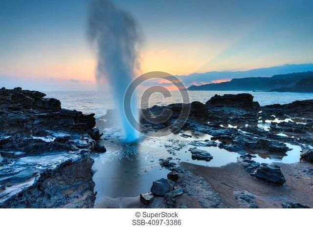 Blow hole on the coast, Nakalele Blowhole, Poelua Bay, Hawea Point, Maui, Hawaii, USA