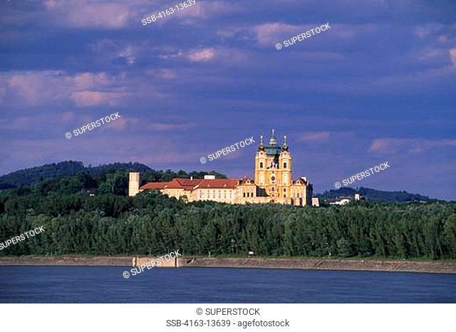 AUSTRIA, MELK, DANUBE RIVER, VIEW OF ABBEY