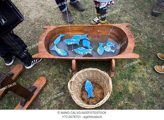 Wood fishing game for kids