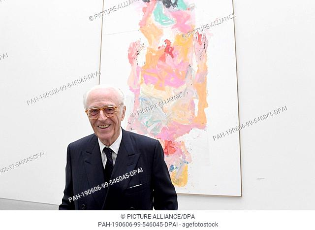 06 June 2019, Bavaria, Munich: Duke Franz of Bavaria laughs at a photo opportunity at a donation of Georg Baselitz's works to the Pinakothek der Moderne before...