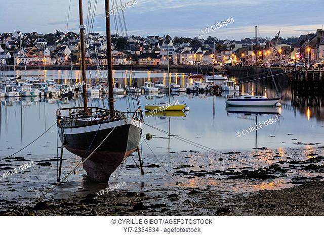 The port of Camaret sur Mer, Crozon Peninsula, Finistere, Brittamy, France