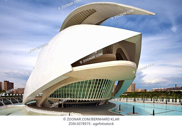 Die Ciudad de las Artes y de las Ciencias ist ein Science Center in Valencia. Die Bauzeit dauerte von 1991 bis 2006. Es liegt in dem trockenem Flussbett des Río...