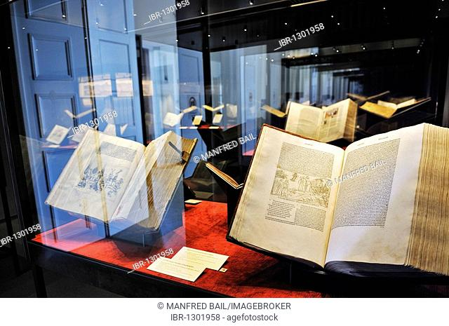 Bavarian State Library, first floor, exhibition in the Treasury, When letters became mobile – transition of media in the 15th century, incunabula