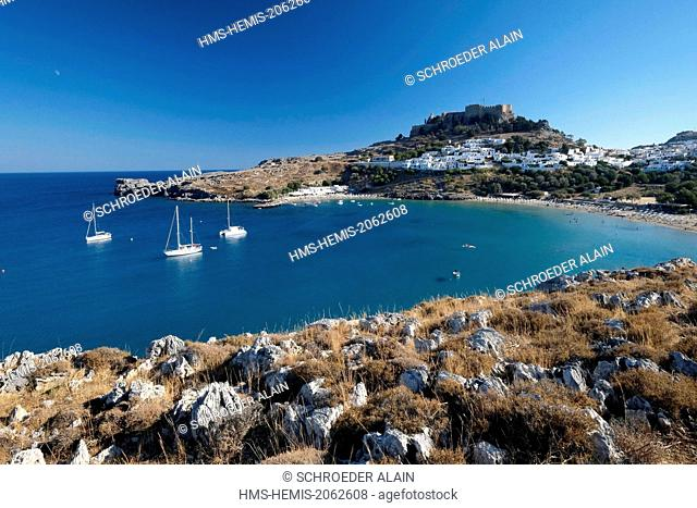Greece, Dodecanese, Rhodes island, Lindos, all white village is sheltered from the sea and dominated by the acropolis sanctuary of Athena Lyndia