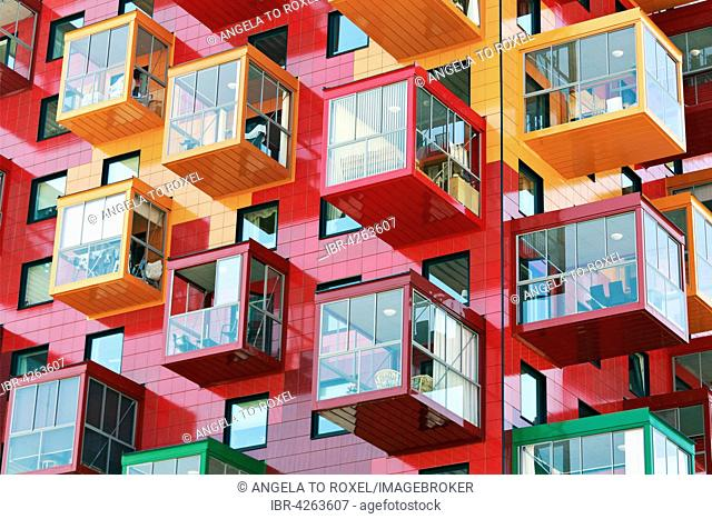 Colorful residential tower, Ting 1, with balconies and colourful facades, detail, architect Gert Wingårdh, Örnsköldsvik, Västernorrland County