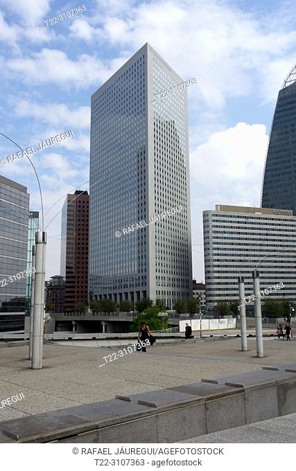 Paris (France). Skyscraper in the financial district of the city of Paris (district of La Défense)