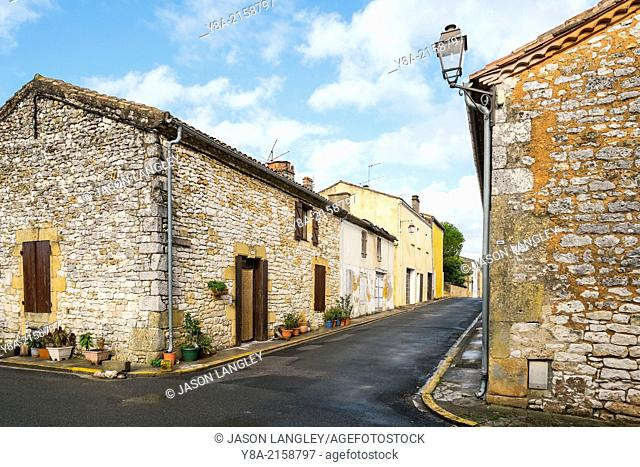 Streets and buildings in the Bastide town of Monpazier, Dordogne department, Aquitaine, France