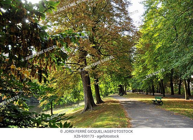 Park in the medieval town of Bruges, Belgium  Brugge