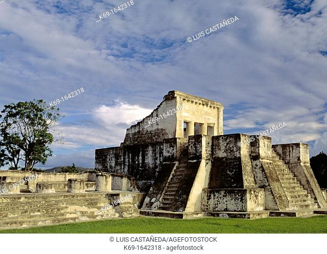 Zaculeu or Saqulew is a pre-Columbian Maya archaeological site in the highlands of western Guatemala, about 3 7 kilometres 2 3 mi outside of the modern city of...