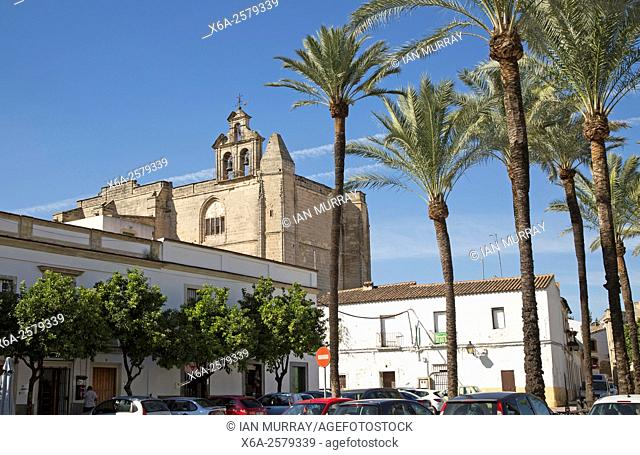 Historic church in Plaza del Mercado, Barrio de Santiago, Iglesia de San Mateo, Jerez de la Frontera, Spain