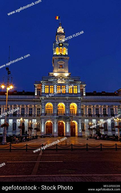 Rumania, Crisana, Arad, Town hall at night