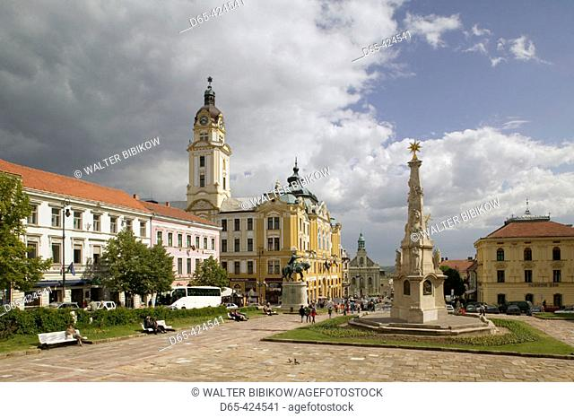 Szechenyi ter Square. Town Hall and Trinity Column. Pecs. Southern Transdanubia. Hungary. 2004