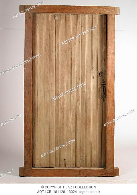 Door in frame, door frame building part wood oak, sawn planed nailed Lifted door composed of three vertical planks and three cleats In front of each 4