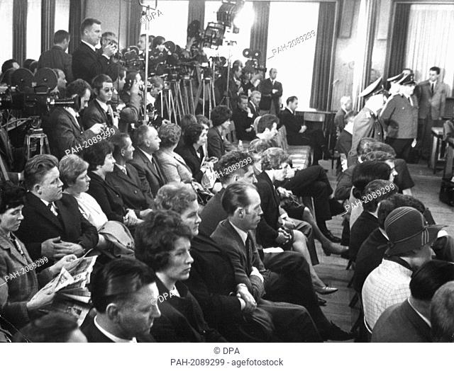 View of the courtroom photographed on 27 May 1968. The trial against seven high ranking employees of the Stollberg-based Grünenthal company