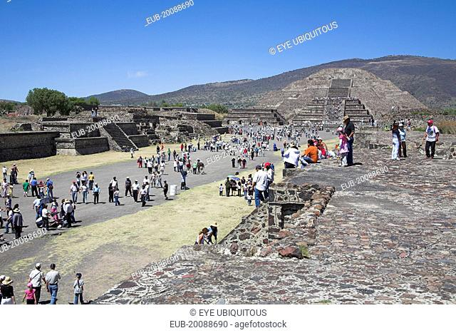 Tourists, Pyramid of the Moon, Calzada de los Muertos, Teotihuacan Archaeological Site