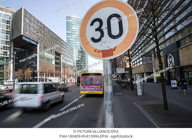 09 April 2018, Germany, Berlin: A sign shows the new speed limit of 30 km/h that transport authorities are temporarily implementing on the Leipziger Street