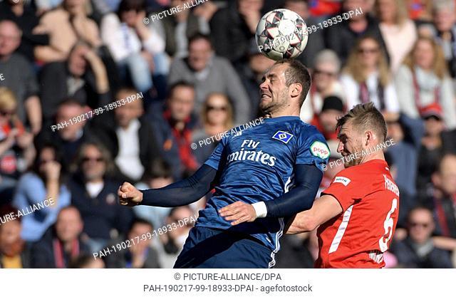 16 February 2019, Baden-Wuerttemberg, Heidenheim: Soccer: 2nd Bundesliga, 1st FC Heidenheim - Hamburger SV, 22nd matchday in the Voith Arena
