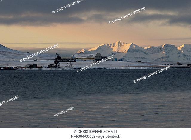 Massif at dusk, Spitsbergen, Norway, Europe