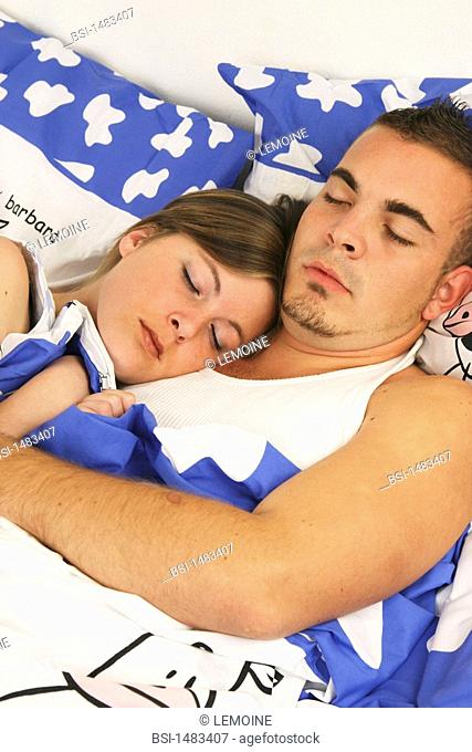 COUPLE SLEEPING Models