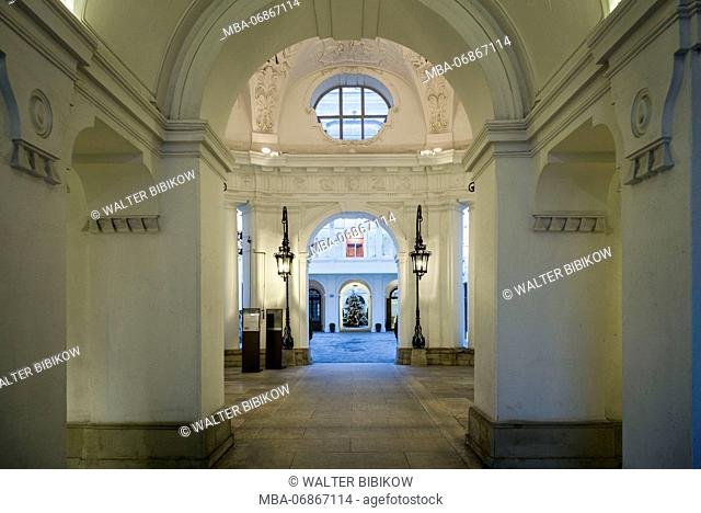 Austria, Vienna, entranceway off of Am Hof square