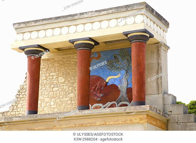 North entrance, north pillar hall, Knossos palace archaeological site, Crete island, Greece, Europe