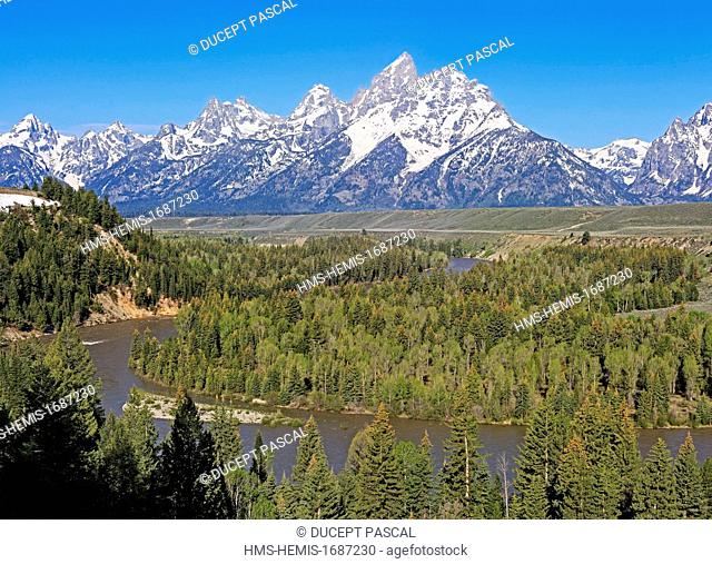 United States, Wyoming, Grand Teton National Park, the Snake River and the Teton Range from the Snake River Overlook