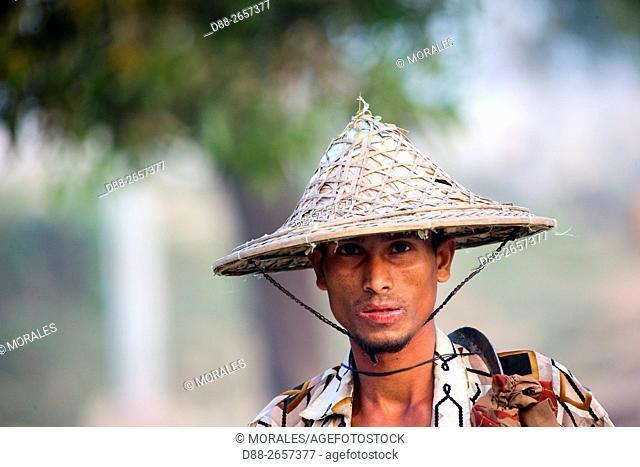 Myanmar, Rakhine state, Mrauk-U, , farmer, back from the fields