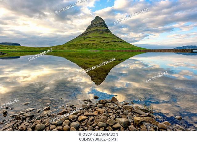 Mt. Kirkjufell, Grundarfjordur, Iceland
