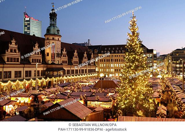 View of the Christmas market on the market square in Leipzig, Germany, 30 November 2017. Around 300 stands sell seasonal products until 23 December