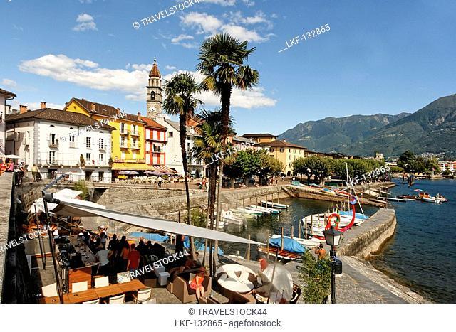 Switzerland, Ticino, Ascona Lounge at lake promenade