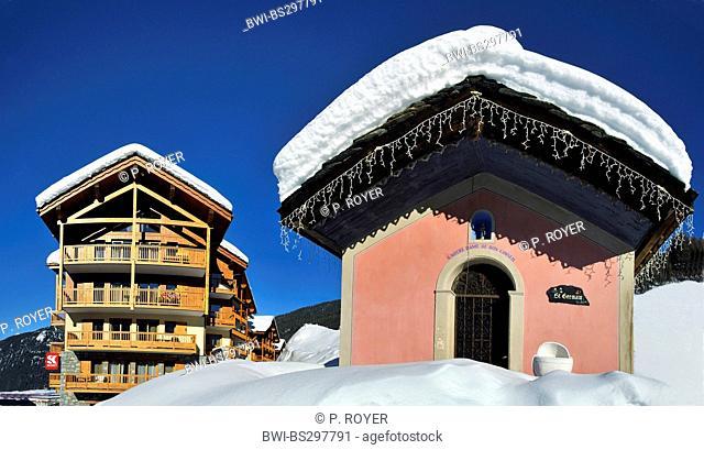 mountain village in snow, France, Savoie, Sainte Foy Tarentaise