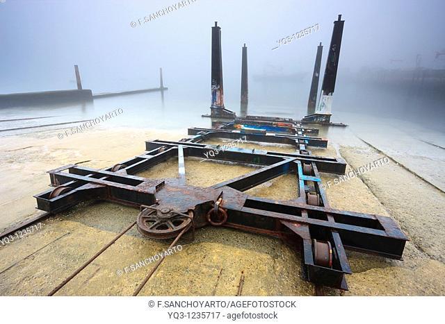 Carros varaderos en el puerto de Castro Urdiales, Cantabria