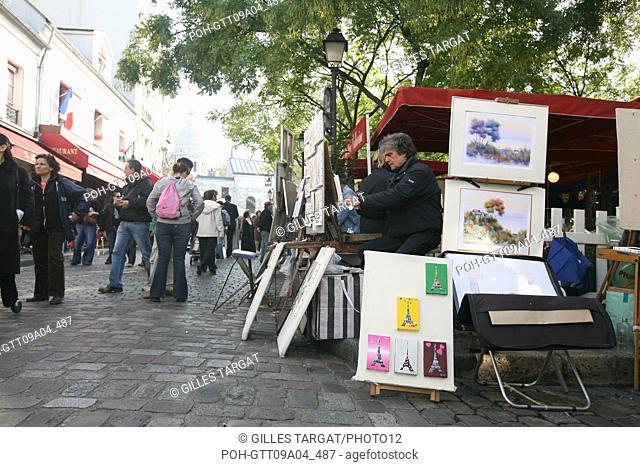 tourism, France, paris 18th arrondissement, butte montmartre, place du tertre, painters and artists, tourists Photo Gilles Targat