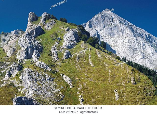 Amboto y Andasto mountains. Urkiola Natural Park. Biscay, Basque Country, Spain, Europe