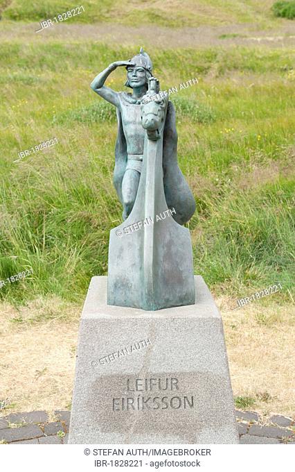 Leifur Eiríksson, Leif Ericson, small bronze statue, Eiríksstaðir, Eiriksstadir, Iceland, Scandinavia, Northern Europe, Europe
