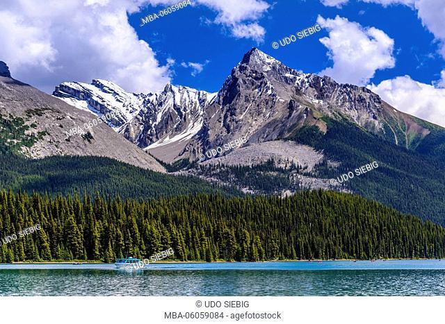 Canada, Alberta, Jasper National Park, Jasper, Maligne Lake to Mount Leah