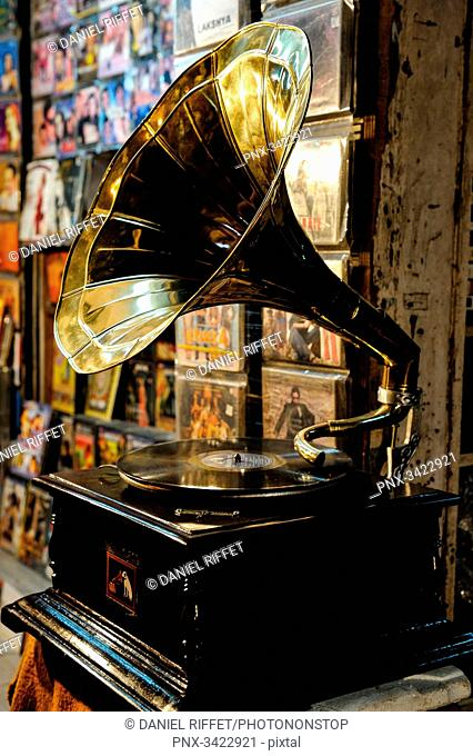 India, Kolkata, antique, gramophone