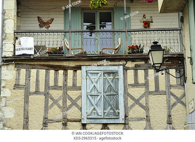 building details, Place Gambetta, Eymet, Dordogne Department, New Aquitaine, France