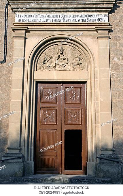 door, Viladomiu Nou parish, Gironella, Catalonia, Spain