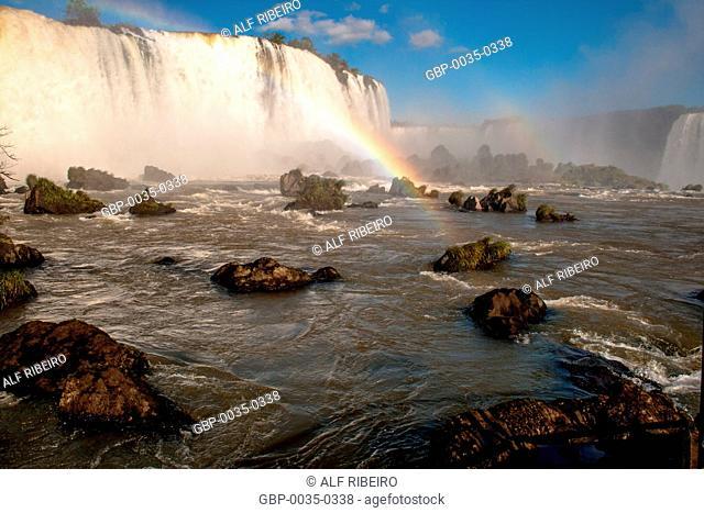 Iguaçu National Park; border between Brazil and Argentina; Foz do Iguaçu; waterfalls of Iguaçu
