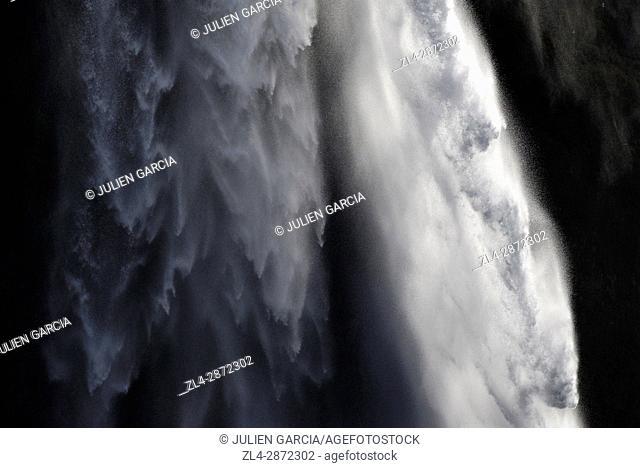 Iceland, Sudurland region, Seljalandsfoss waterfall