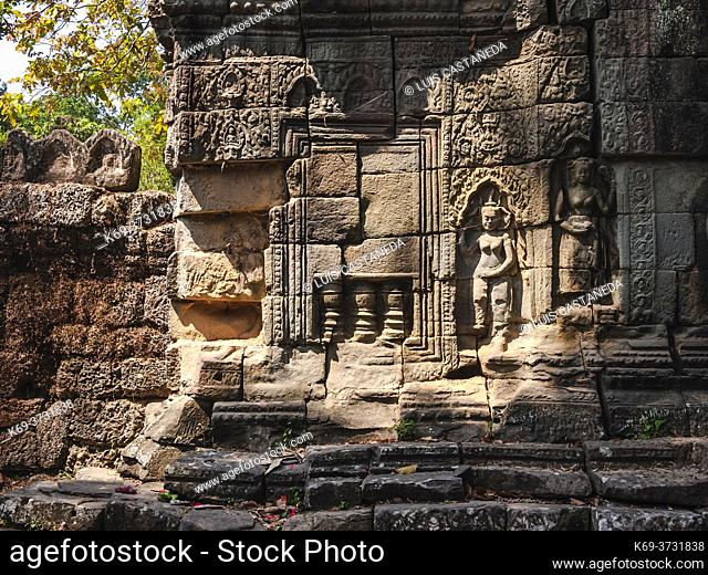 """Banteay Kdei ( Prasat Banteay Kdei), meaning """"""""A Citadel of Chambers"""""""", also known as """"""""Citadel of Monks' cells"""""""", is a Buddhist temple in Angkor, Cambodia"""