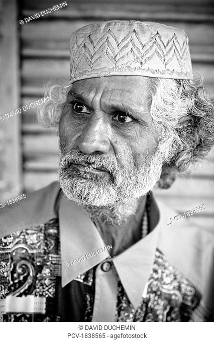 Lumen Dei, Kashmir, India, Portrait of mature Indian man