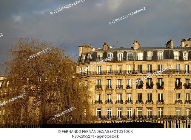Buildings. Ile St Louis. Paris. France. Europe